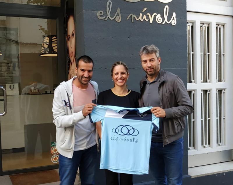 Els Núvols patrocina los equipos femeninos de la EFS Jordi Torras